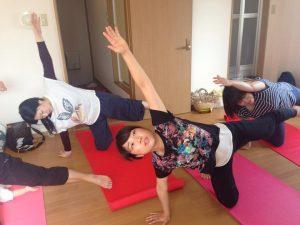 デトックスサロンフローイング 京都北野40代女性へ骨格矯正&リンパマッサージで流れる体へ-体が整うヨガレッスン!