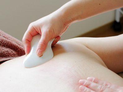 デトックスサロンフローイング 京都北野40代女性へ骨格矯正&リンパマッサージで流れる体へ-夏のキャンペーン:スリムキャビエット60分3回18000円